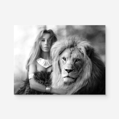 strong B&W portrait of woman together with lion